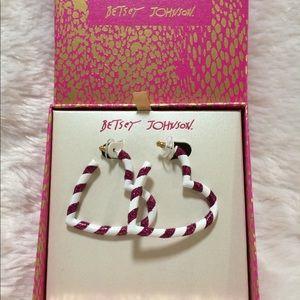 🎁 Betsey Johnson Candy Bane Heart Earrings